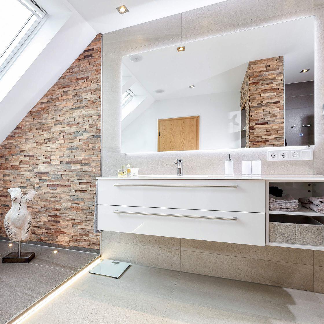 Waschplatz mit Akzentbeleuchtung