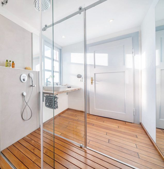 Modernes Badezimmer im Altbau