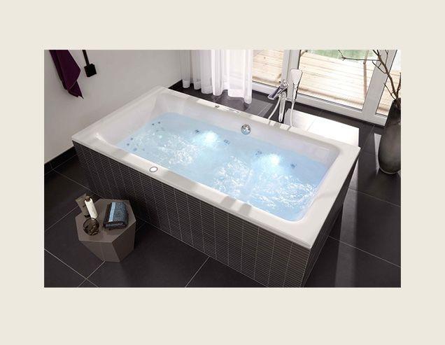 Badewanne und Whirlpool