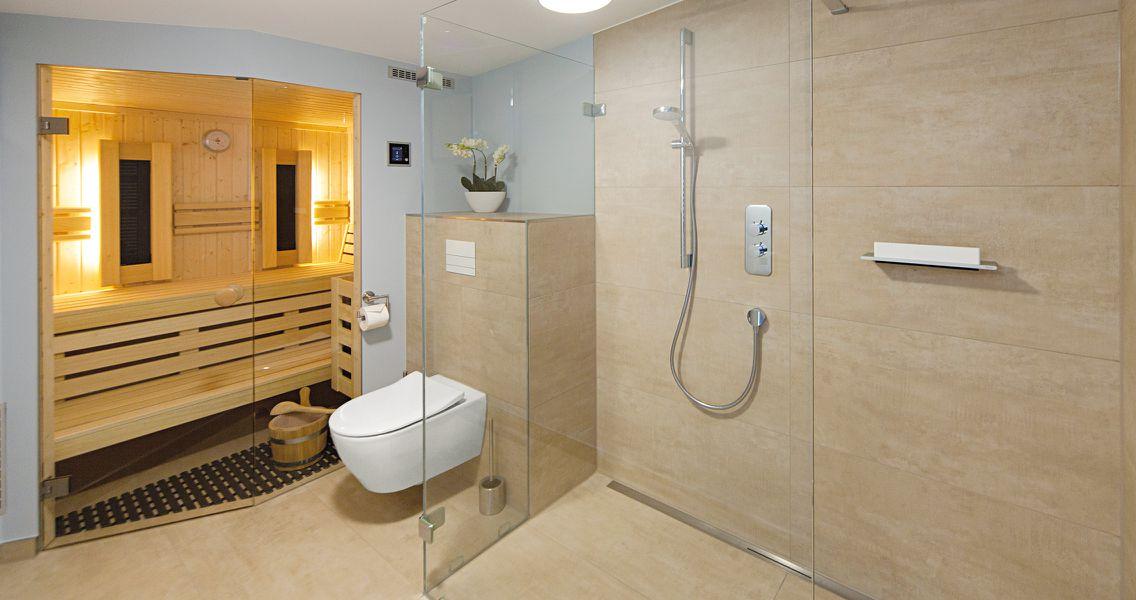 Wellness-Bad mit integrierter Sauna