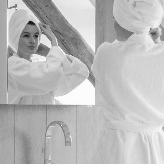 Spiegelschrank in klassischem Design