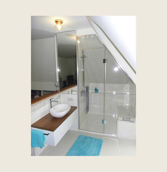 Maßanfertigung Duschabtrennung in Dachschräge