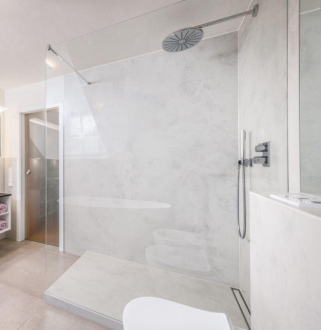 Mineralischer Wandputz im Duschbad