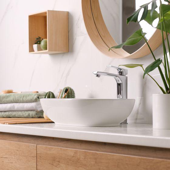 Handwaschbecken mit Waschtisch aus Holz