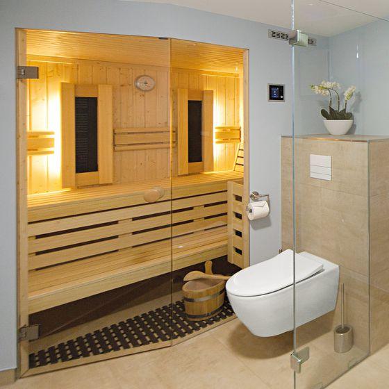Bad mit integrierter Sauna