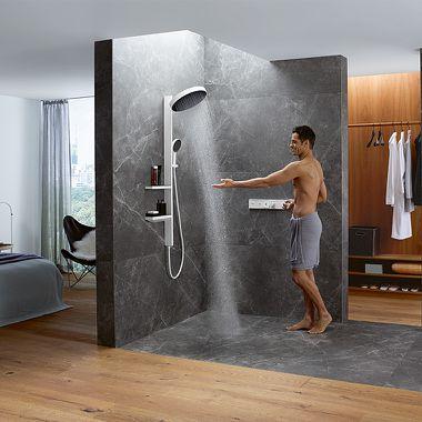 Schlafzimmer mit integriertem Duschbereich